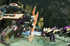3569transformers-foc-grimlock-using-his-shield_7