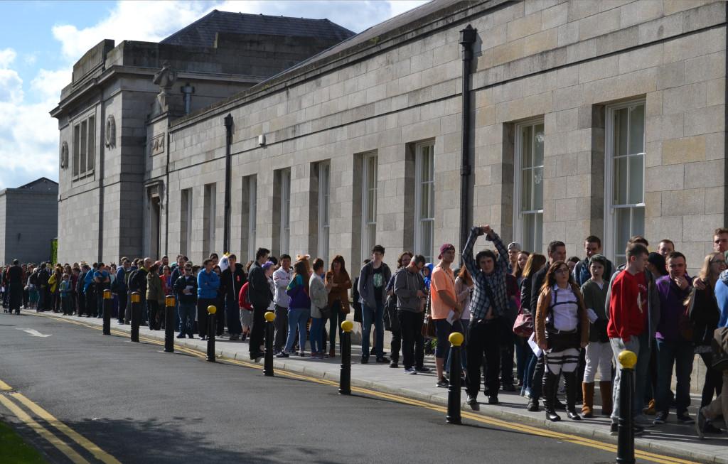 MCM Ireland_queue